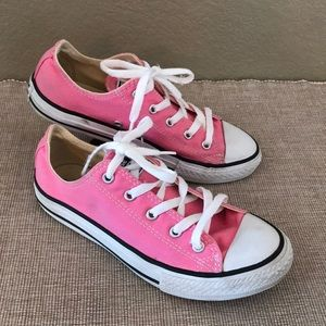 Kid's Converse PINK Chuck Taylor low size 3